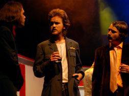 On Stage – Kav, Peter, Robbie